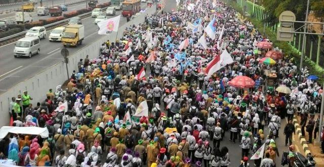 Demo, Meneladani kaum Khawarij untuk Menggulingkan Pemerintah