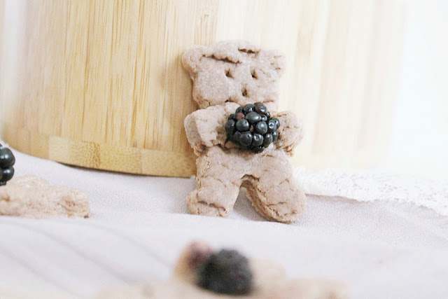 Chocolate blackberry bear autumn biscuits