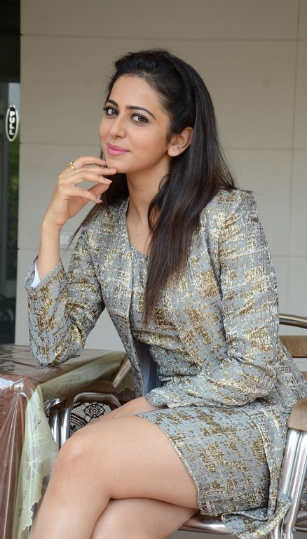 Rakul Preet Singh Thigh Show Photos