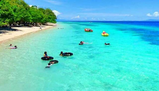 Nikmati Keindahan Pantai Liang Di Maluku Tengah