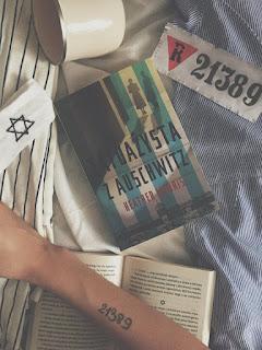"""ARBEIT MACHT FREI, czyli największe kłamstwo zbrodniarzy. Krótka opinia o """"Tatuażyście z Auschwitz"""""""