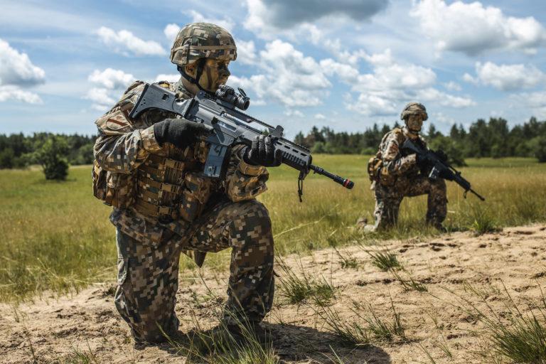Латвія збільшить армію і тероборону на кілька тисяч солдатів