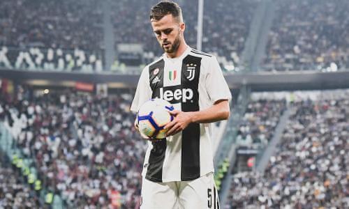 Miralem Pjanic trong màu áo Juventus