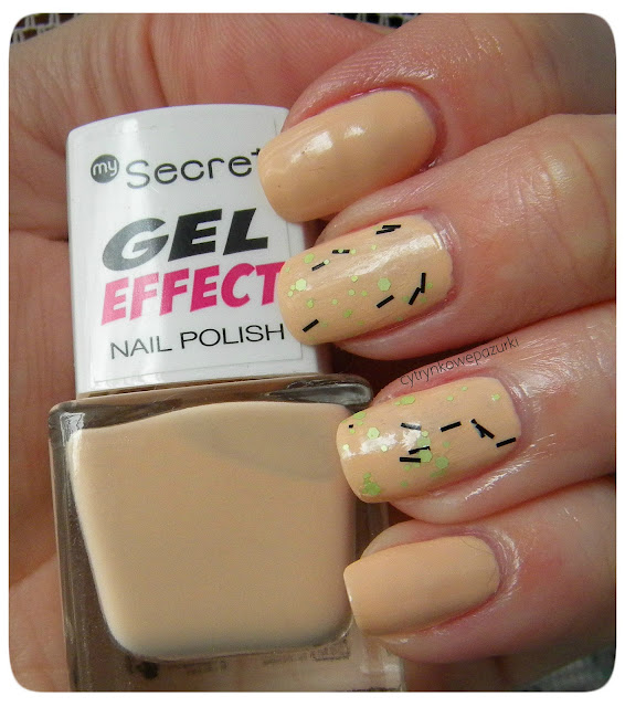 My Secret Gel Effect 256 Burlywood i 228 Pea green dots