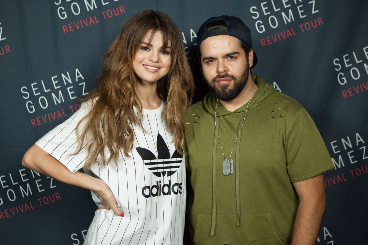 Selena Gomez – Meet & Greet at the Valley View Casino ...