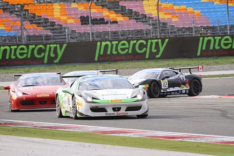 Ferrari'ler pistte