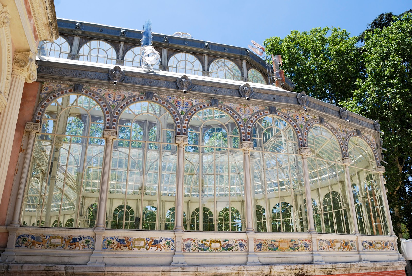 glass crystal palace retiro park madrid
