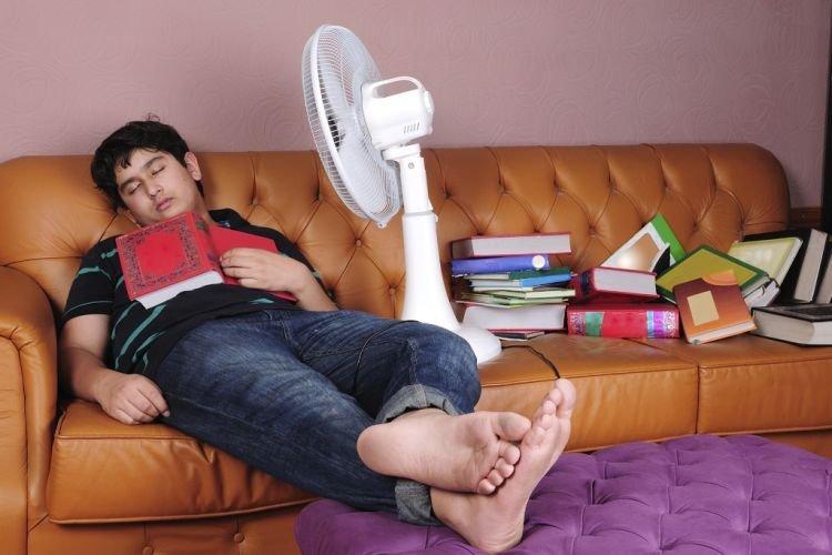 Ngeri! Ini 11 Hal Bahaya Jika Anda Tidur Menggunakan Kipas Angin
