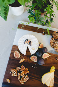 DIY marble and wood tray