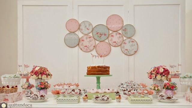 inspiracao-shabby-chic-romantica-delicada-mesa-bolo-bastidores-candy-colors