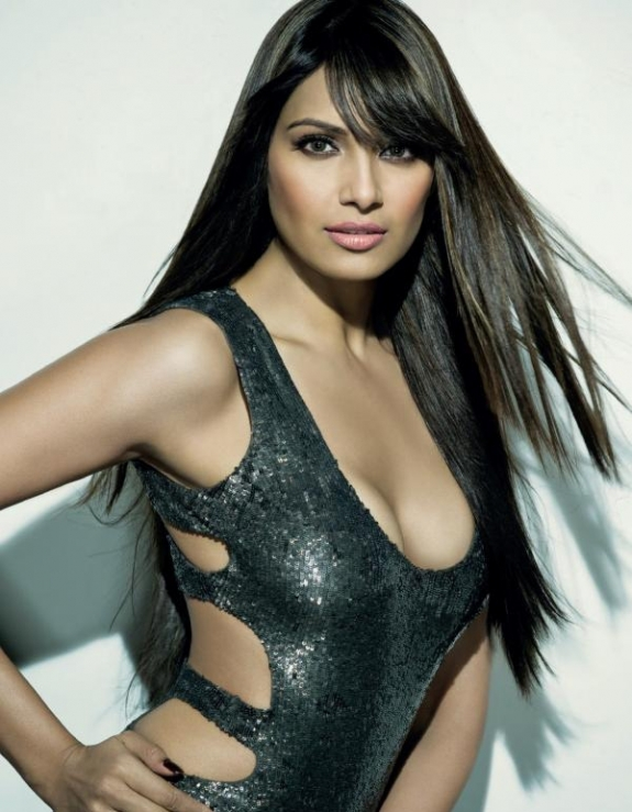 Hot pics of Bipasha Basu