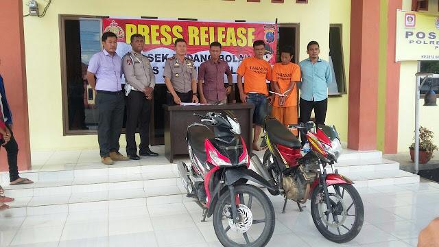 Polisi memaparkan hasil penangkapan terhadap dua tersangka pelaku curanmor di Paluta.