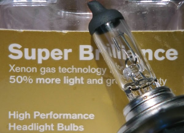 Xenon filled halogen bulb