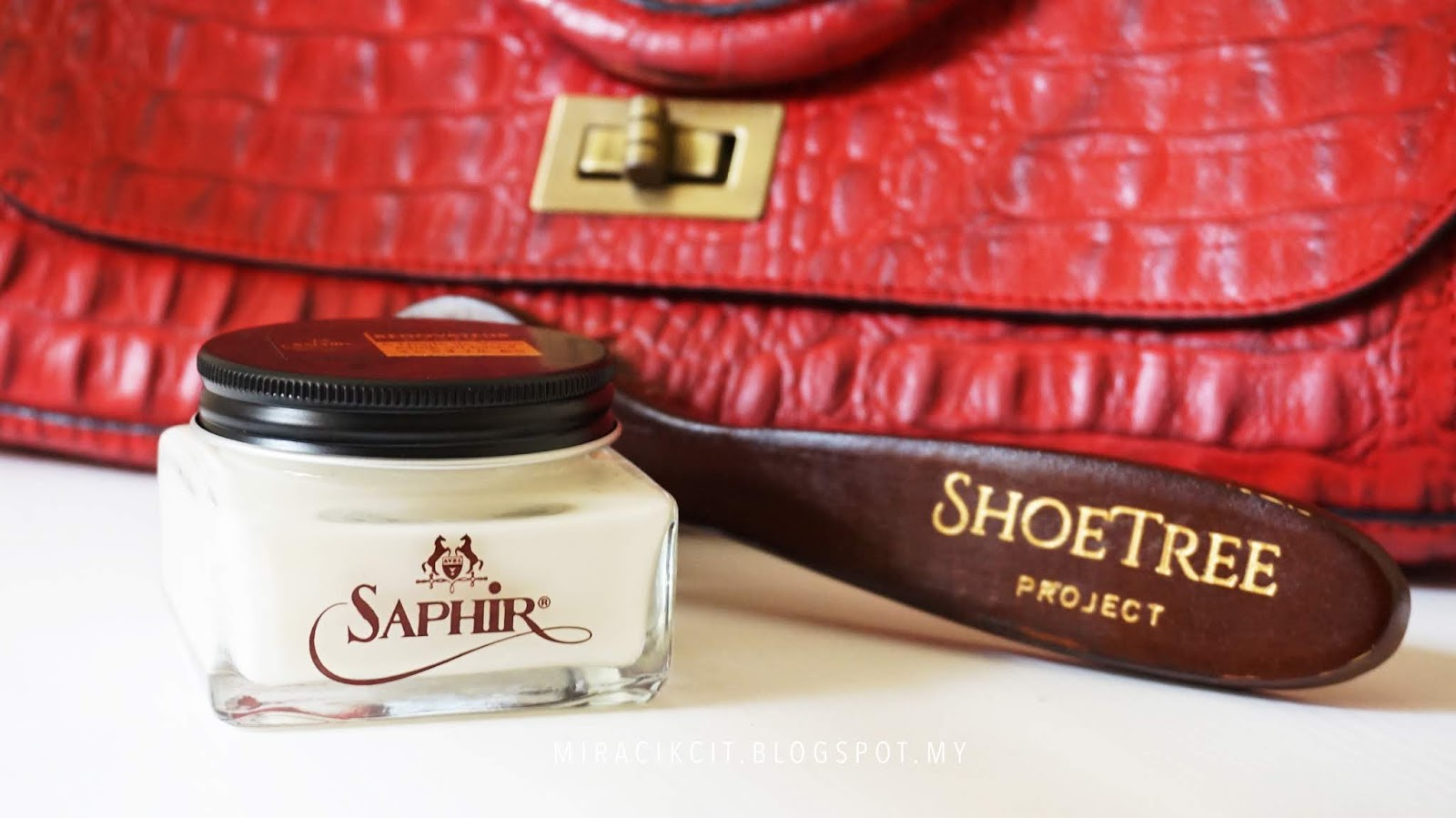 Saphir Renovateur Leather Cleaner