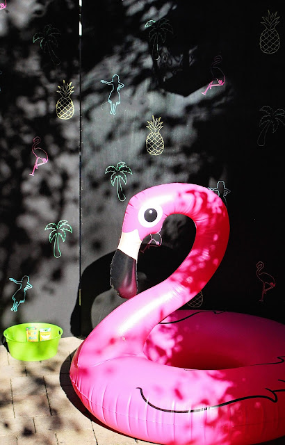 Flamingo pool float at Fizzy Party Trop Fest