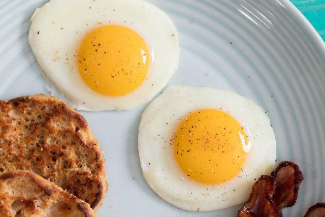 Ăn nhiều trứng khi tập gym có hại không ?