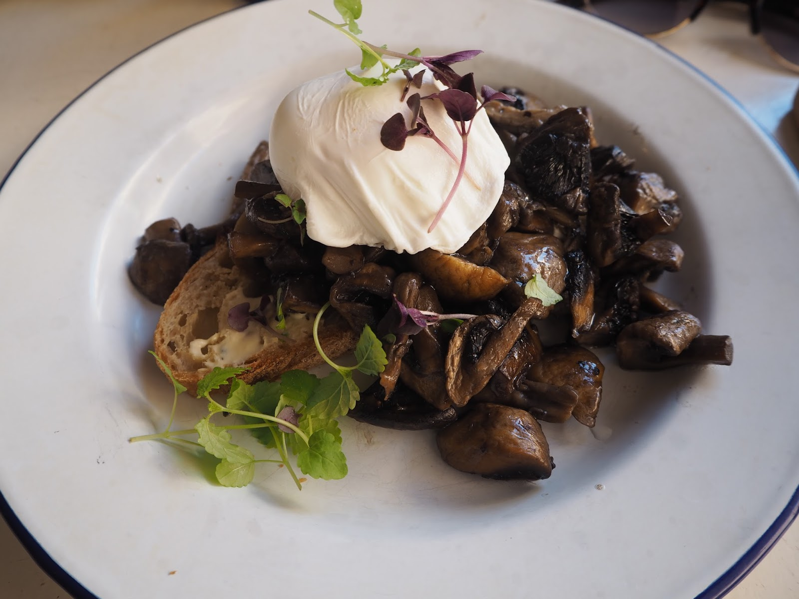 mushrooms and poached eggs on toast