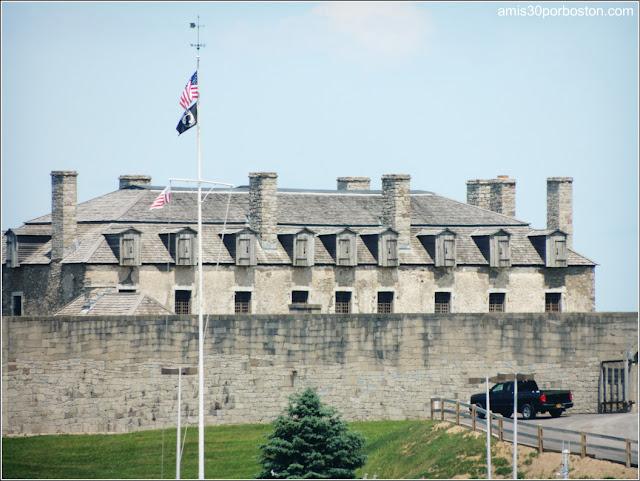 Bandera de Estados Unidos en el Fuerte Niágara