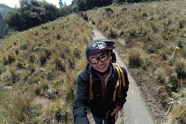 Foto Narsis Pendaki Gunung Semeru
