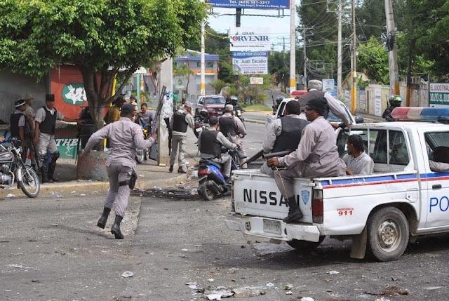 Resultado de imagen para fotos del pueblo de navarrete en huelga