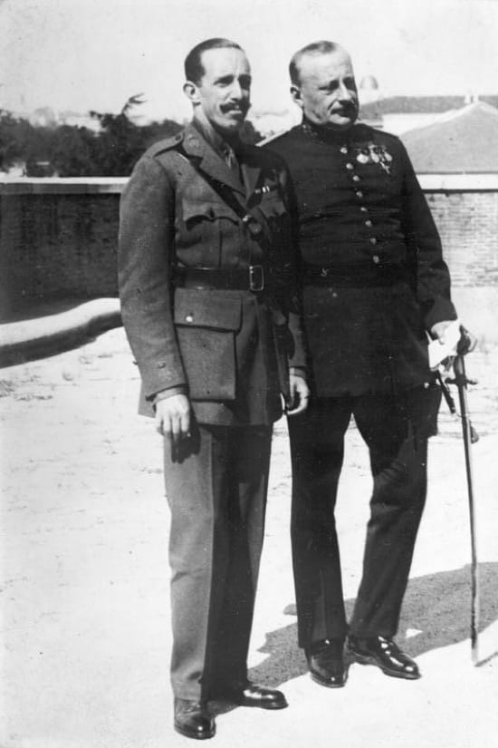 Alfonso XIII junto al general Miguel Primo de Rivera después de su nombramiento como Jefe del Gobierno y Presidente del Directorio militar