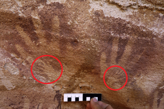 Scientists Say These Ancient Hand Prints Were NOT Left By Humans… And The Truth Is Shocking
