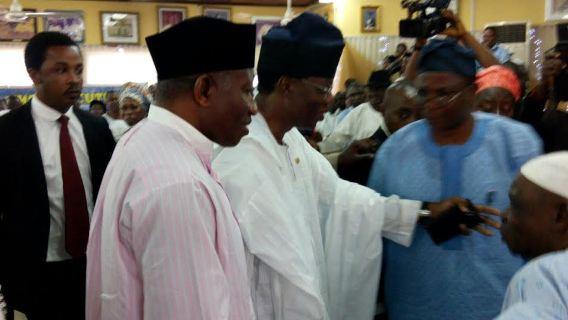 Goodluck Jonathan condolence visit to Awolowo residence.