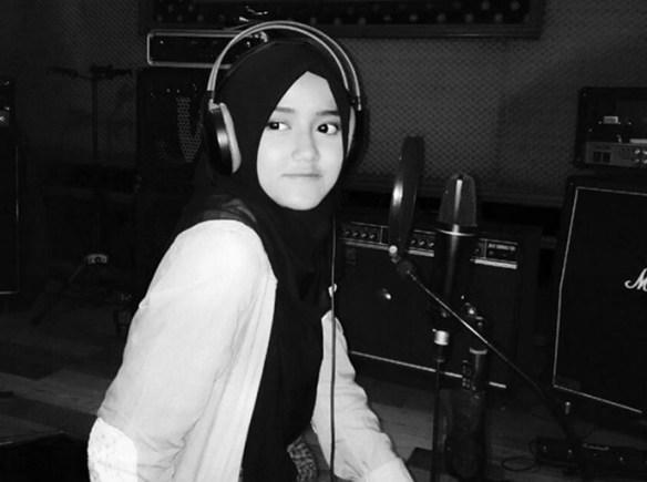 Foto Cantik Wirda Putri Ustad Yusuf Mansur