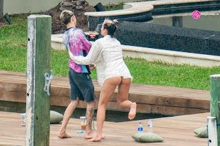 Dua Lipa  body huge    in tiny WET bikini WOW Beach Side  Pics Celebs.in Exclusive 008