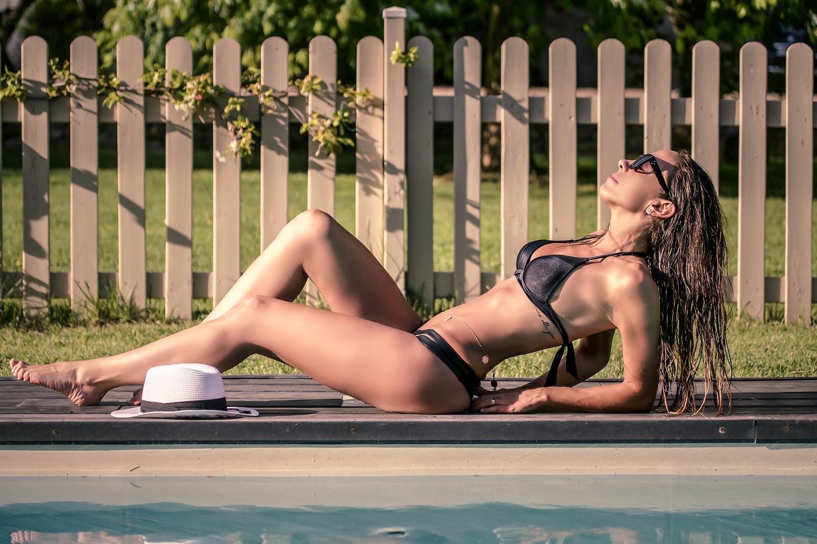 bikini vivien vance