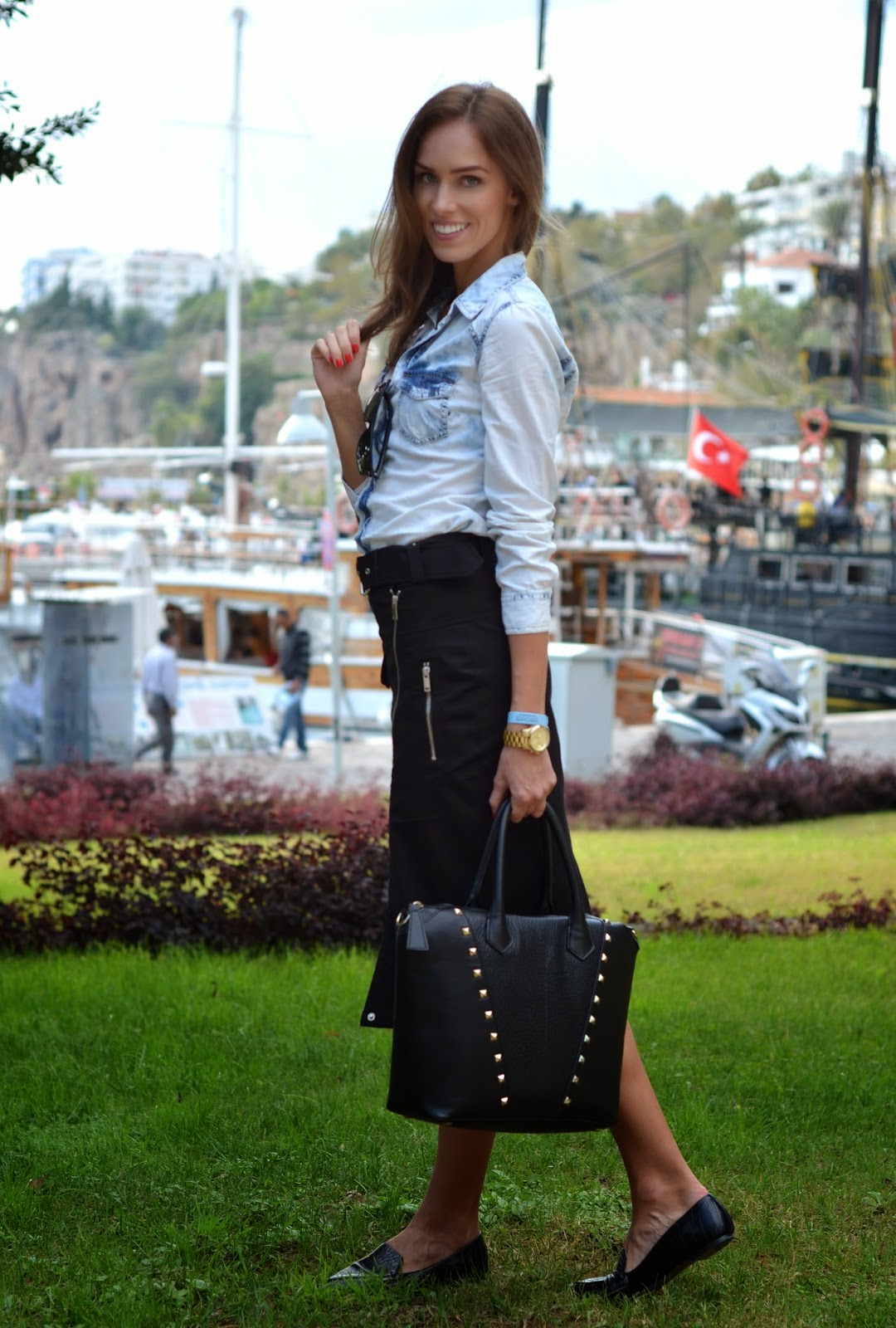kemer-outfit-fashion-shirt-midi-skirt-gaultier
