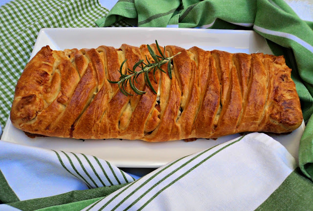 empanada-lomo-adobado-presentacion