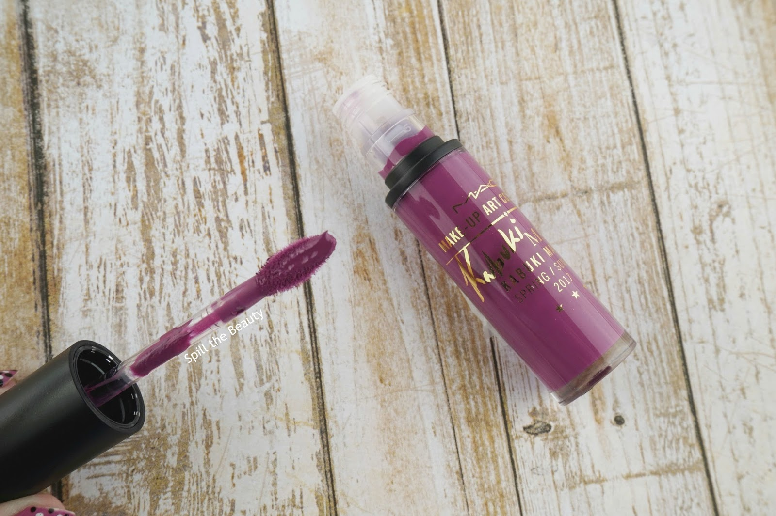 mac make-up art cosmetics kabuki magic retro matte liquid lipcolour flamingo road review swatches