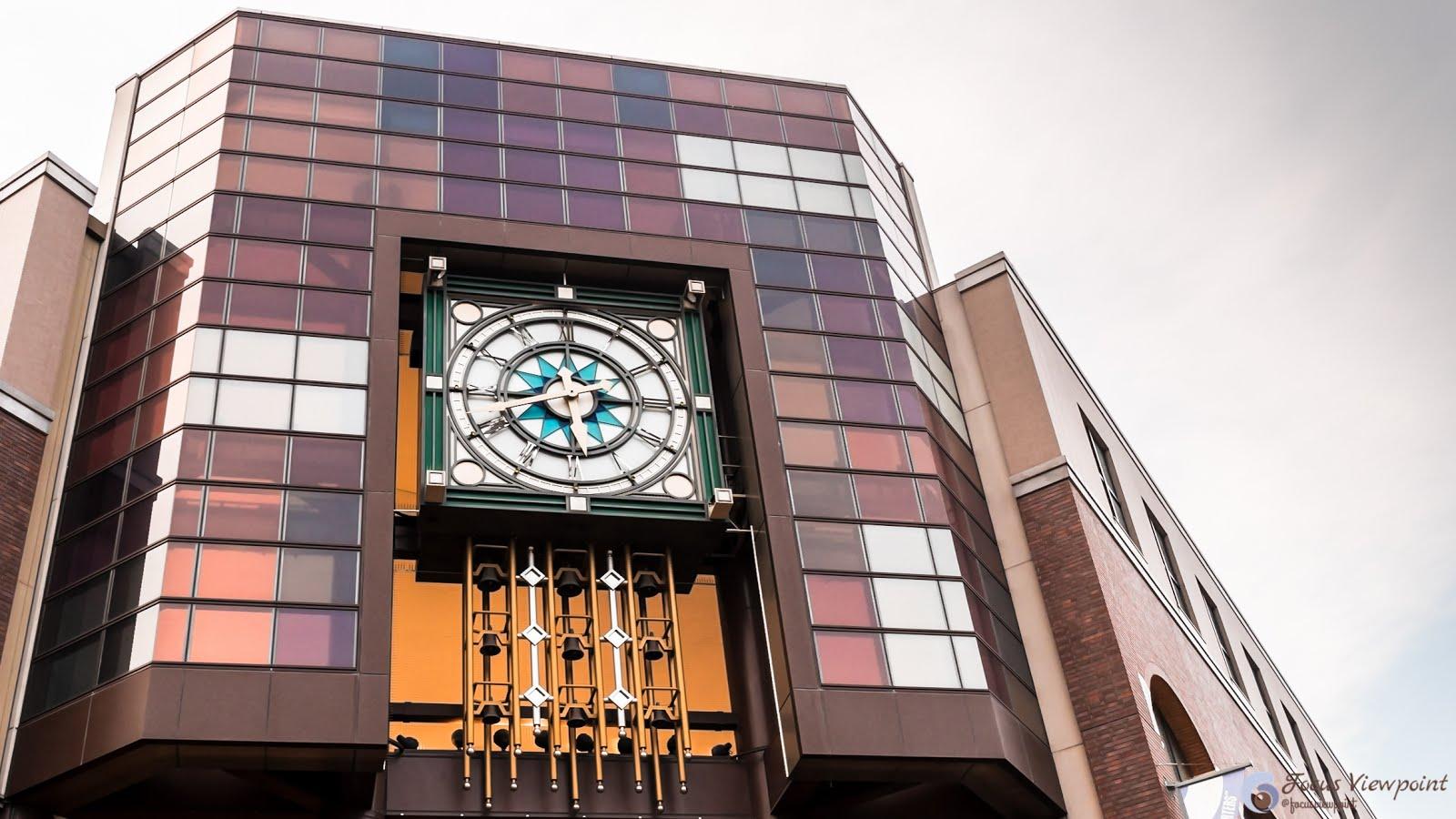 Building Clock are city landmarks at Yokohama World Porters.