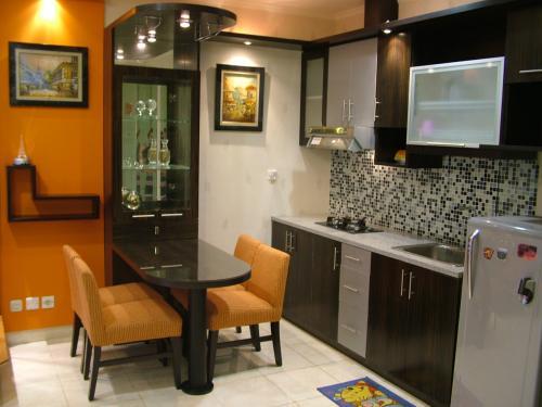 Desain Pantry Dapur Kering Rumah Modern