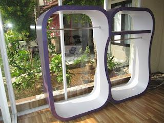 Etalase Display Pakaian Gantung Butik Pakaian - Furniture Semarang