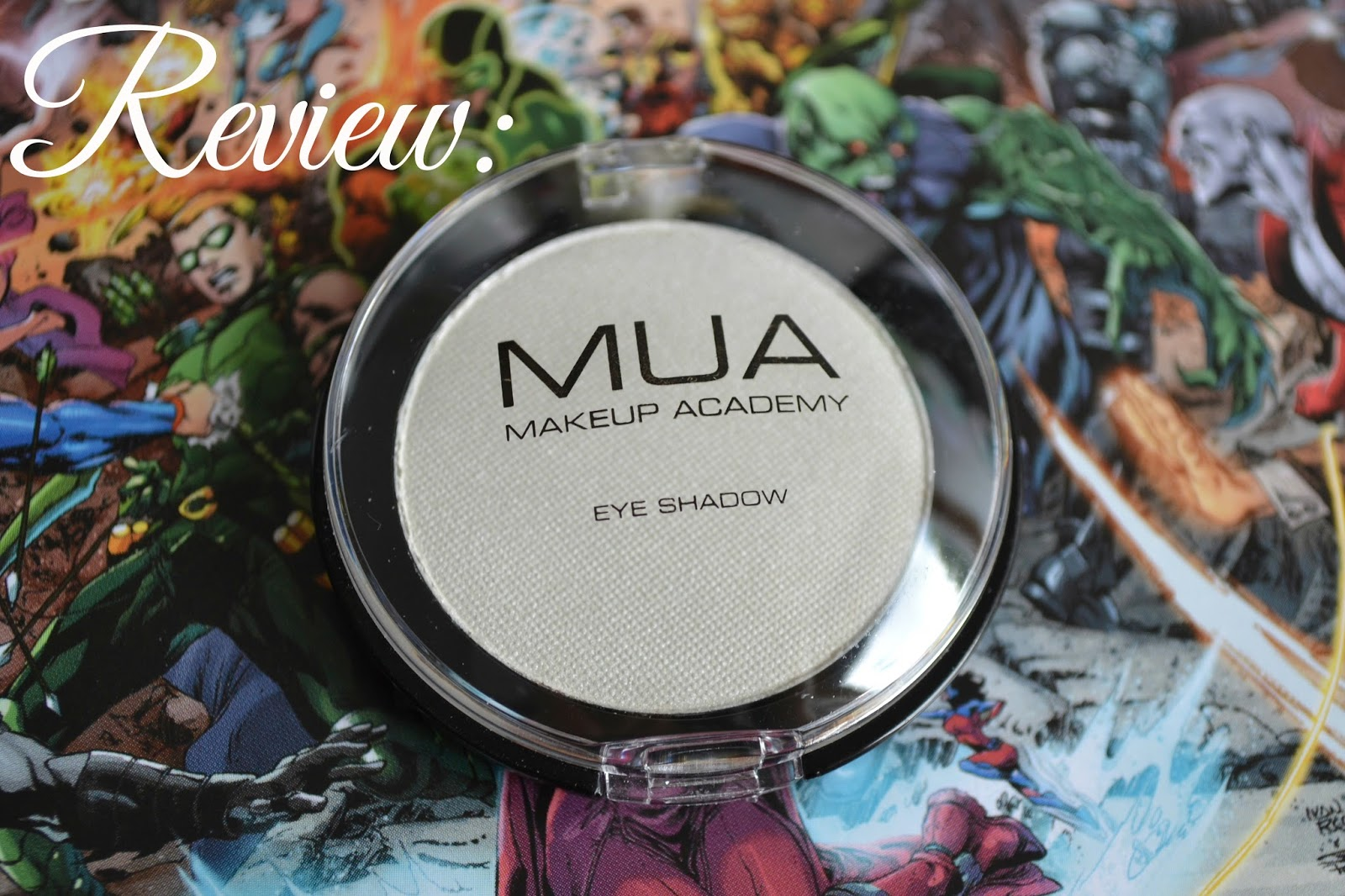 MUA Pearl Eyeshadow in Shade 2