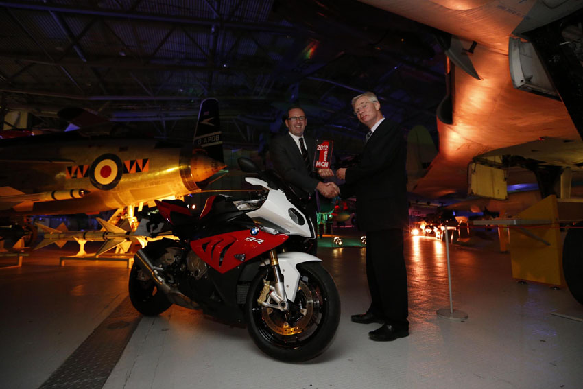 Bmw S 1000 Rr Voted Mcn Machine Of The Year Wheelsology Com