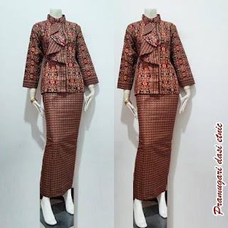 Model Baju Batik Pramugari Dasi Motif Etnik Lengan Panjang Warna Maroon