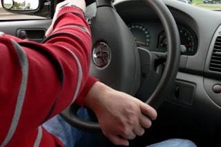 sering kali para pengendara mobil tidak menyadari hal hal sepele seperti memutar setir ya Jangan Banting Setir Mobil Sampai Mentok Agar Power Steering Tidak Rusak