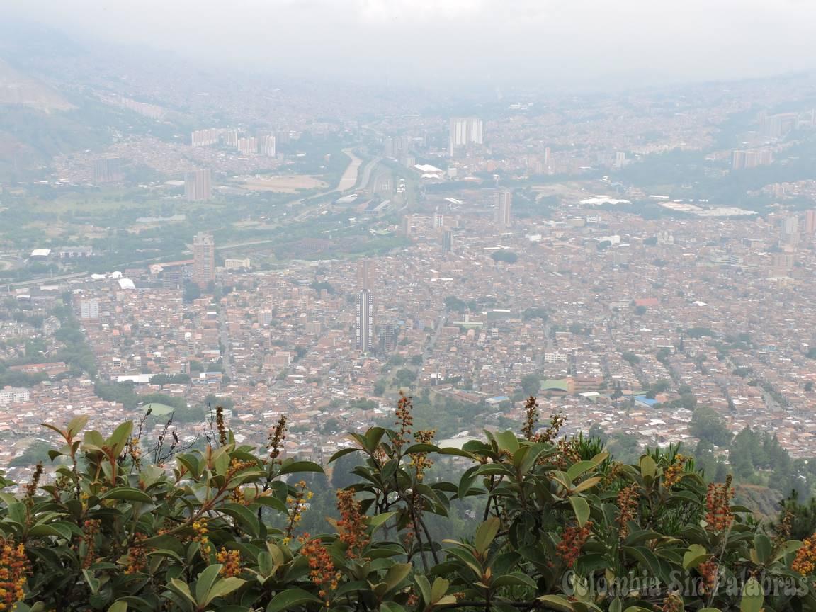 Bello y Medellín vistos desde el cerro quitasol