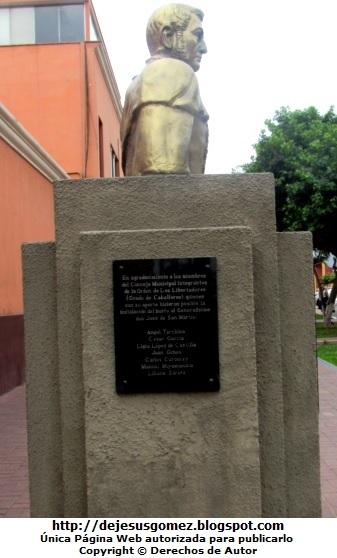 Foto del busto de José de San Martín por Jesus Gómez
