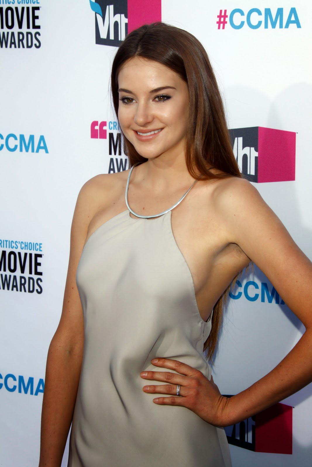 Film Actress Hd Wallpapers Shailene Diann Woodley Hd Pictures Hd Hd Wallpapers Of