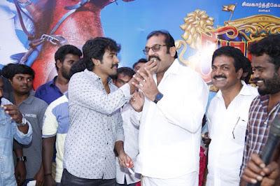 Actor-Sivakarthikeyan-birthday-celebrations-from-the-sets-of-Seemaraja