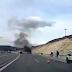 Ιόνια Οδός:Αυτοκίνητο  παραδόθηκε στις φλόγες κοντά στα διόδια Τερόβου [video]