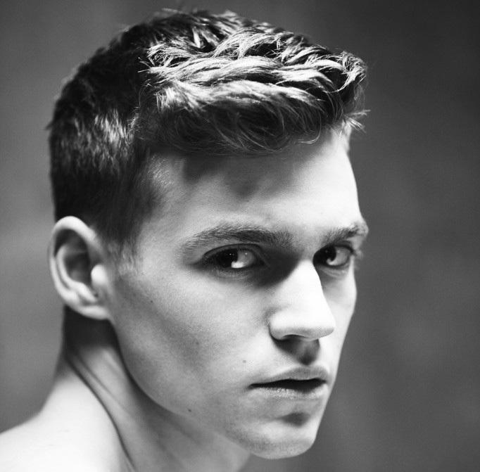 Impresionante peinados pelo liso hombre Fotos de cortes de pelo tutoriales - El hombre elegante: Cortes de pelo y peinados para hombres ...