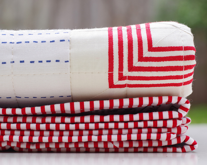 Modern Baby Quilt ~ Essex Yarn Dyed Classic Wovens | © Red Pepper Quilts 2018 #redpepperquilts #modernquilt #babyquilt #babyboyquilt