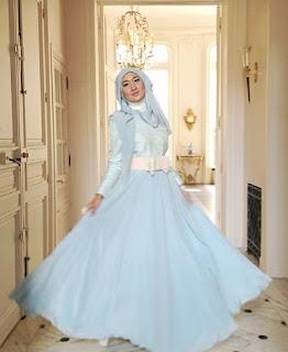 Baju pesta muslim elegan warna pastel