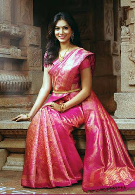 Latest-unique-indian-designer-bridal-saree-collection-for-brides-6