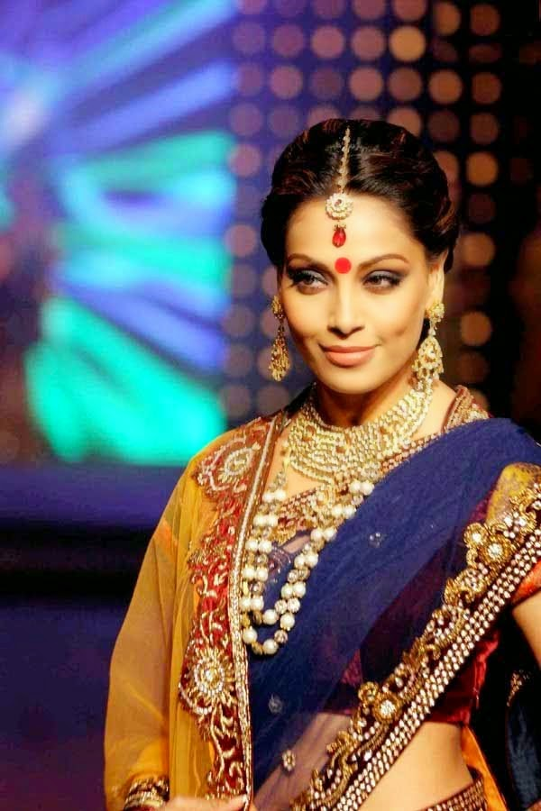 Bipasha Basu Hot Hip Show Photos In Blue Saree